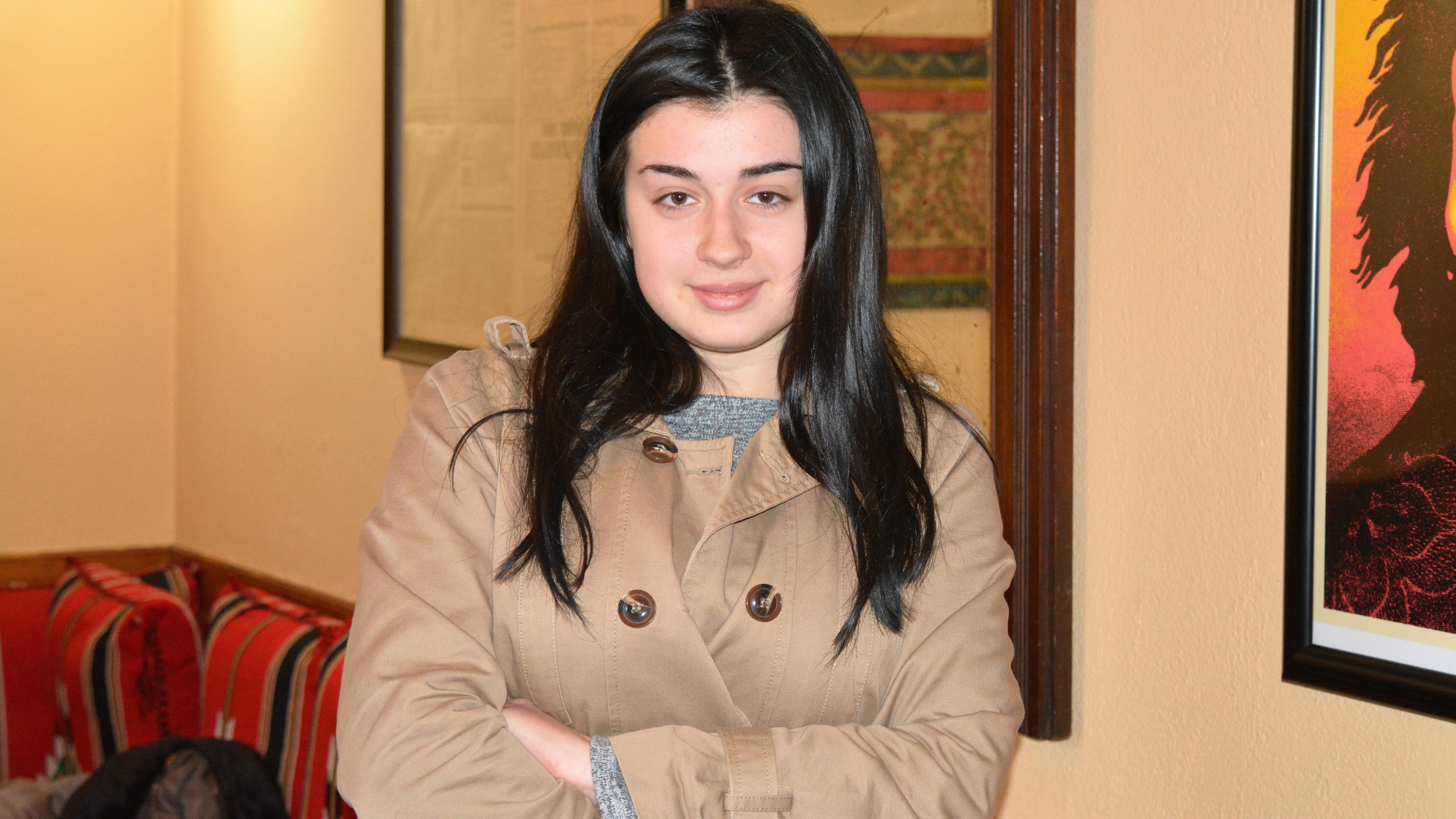 egla-lloha-studente