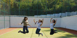 Raporti: Adoleshentët shqiptarë duhan, alkool dhe seks që 15 vjeç - Citizens Channel