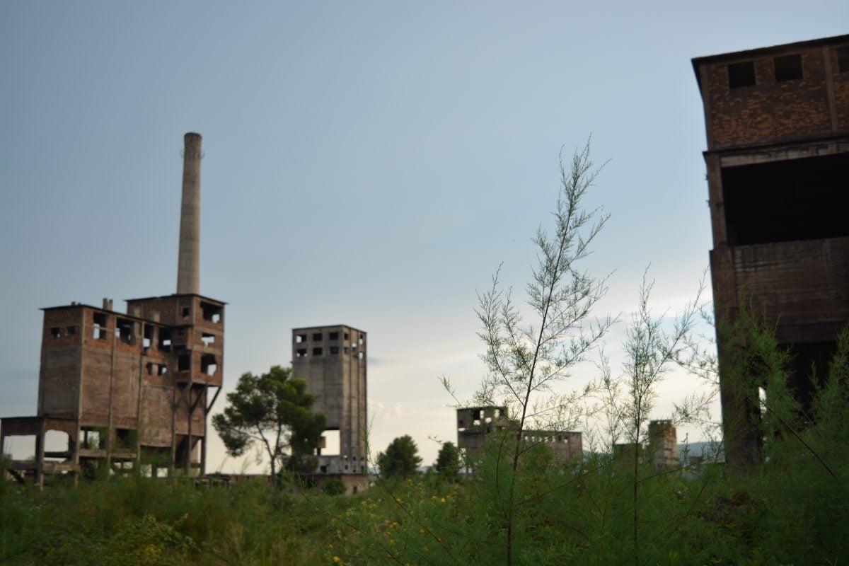 Foto Reportazh: Rrënojat e Kombinatit Metalurgjik si dëshmi e dështimit të dy sistemeve