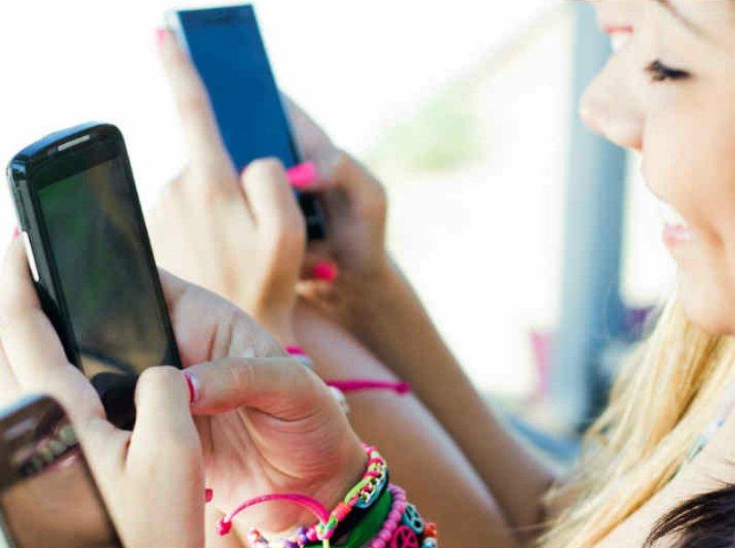 Adoleshentët po lexojnë më pak