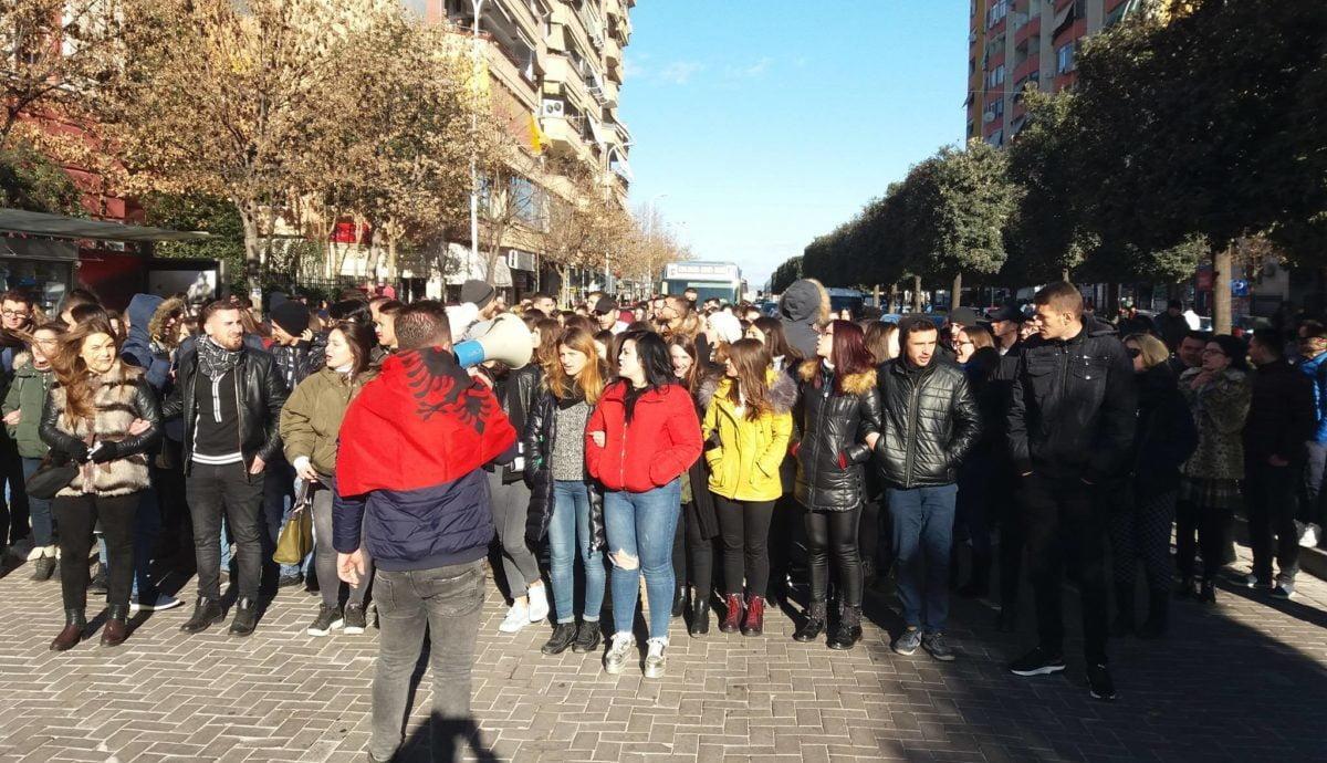 Studentët i rikthehen protestës, bojkot masiv universiteteve