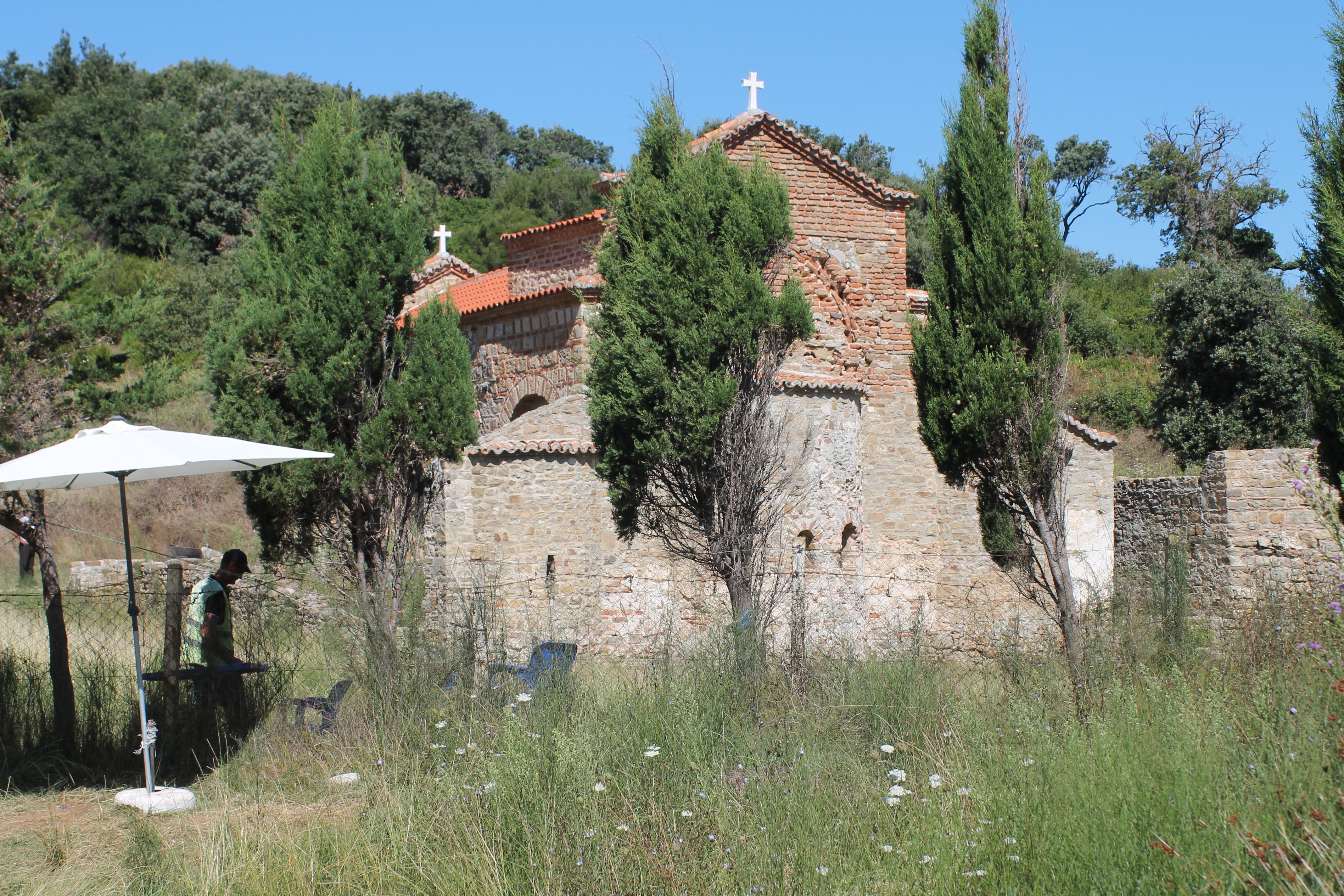 Kisha, biznes me monumentet e kulturës në Kepin e Rodonit