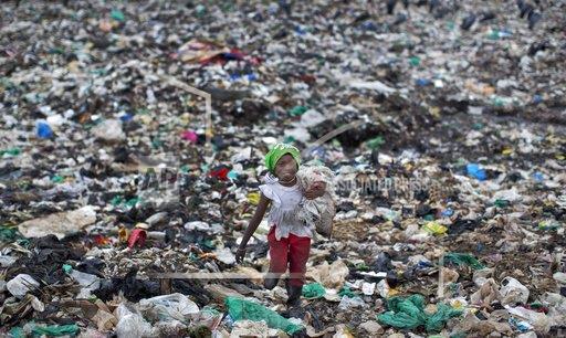 Pse të ndalojmë te qeset dhe pipat plastikë? Rasti për një traktat global që ndalon plastikën njëpërdorimshe